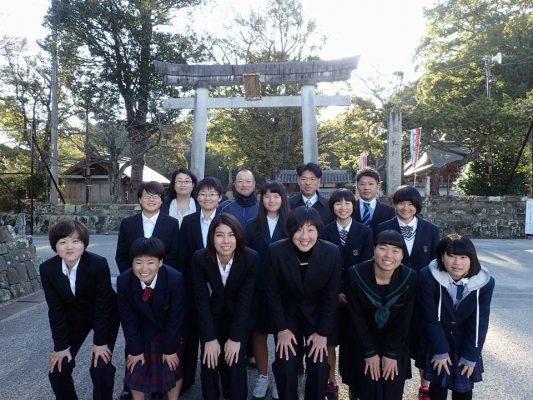 20170209_02女子硬式野球クラブチーム「和歌山ファイティングNANA」設団式直前のメンバー集合写真